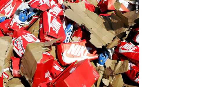 Hamburger Zoll konfisziert hunderte gefälschte Nike-Schuhe