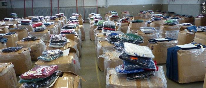 Zoll_2016-10_Schmugglerbande wegen Handel mit gefaelschter Markenkleidung vor Gericht