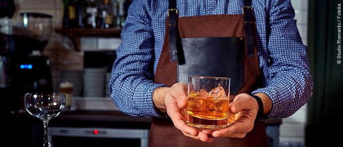Neues Gerät erkennt gefälschte Alkoholika schon in der Flasche